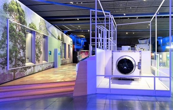 Our Future Planet Climeworks' Direct Air Capture machine, © Science Museum Group (3)
